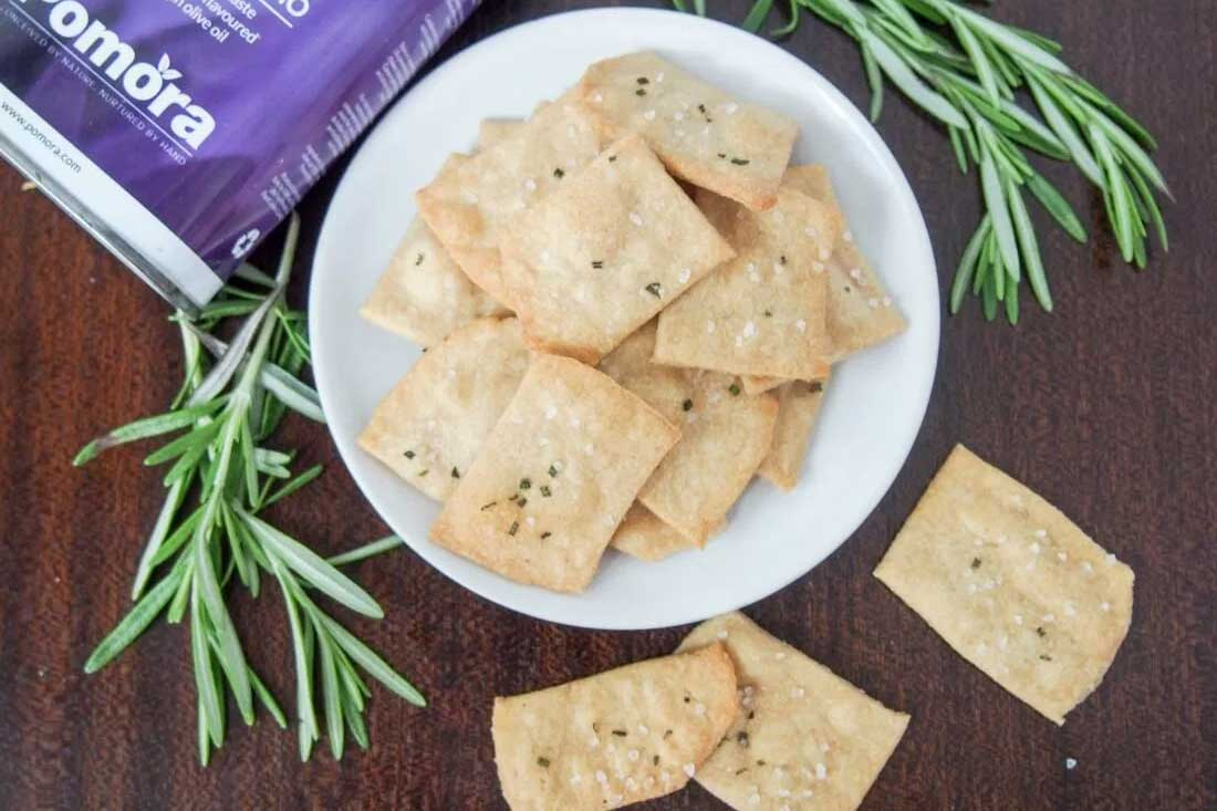 Pomora Whole Wheat Rosemary Olive Oil Crackers